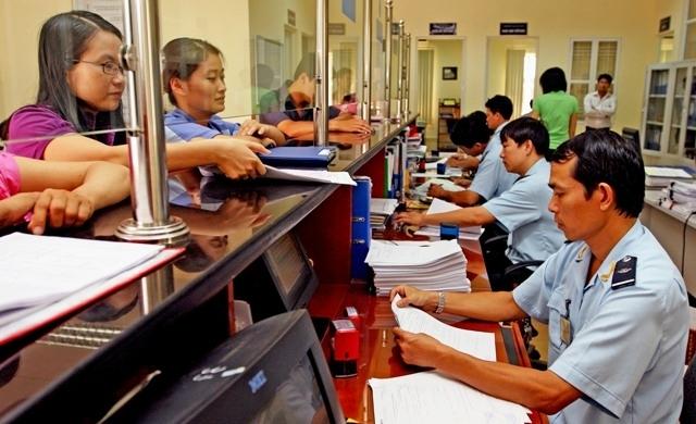 Thủ tục miễn thuế xuất nhập khẩu khi làm thủ tục hải quan